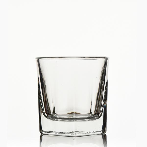 כוס ויסקי כוכב