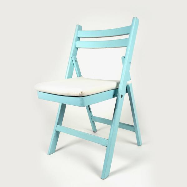 כסא עץ – תכלת