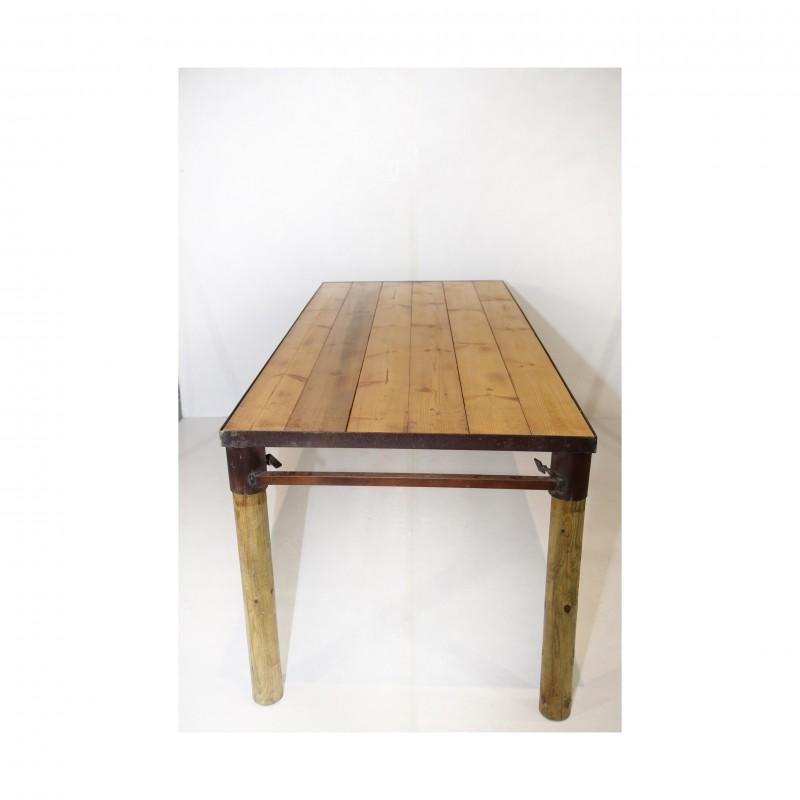 שולחן אבירים- מסגרת ברזל